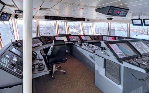 Predavač: Zapovjednik broda/1.časnik palube